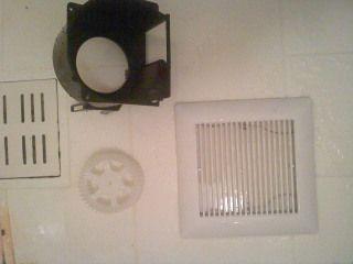 換気扇の部品を洗浄してキレイになりました