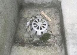 汚れのつまった排水